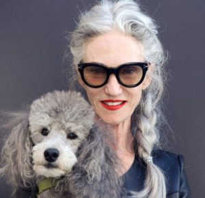 21. Hairstyles for 50 years old women with glasses