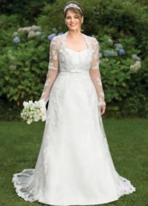 34.Cute Wedding dresses for older brides over