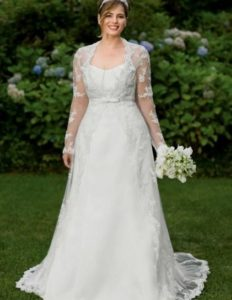 8.Wedding dresses for older brides over