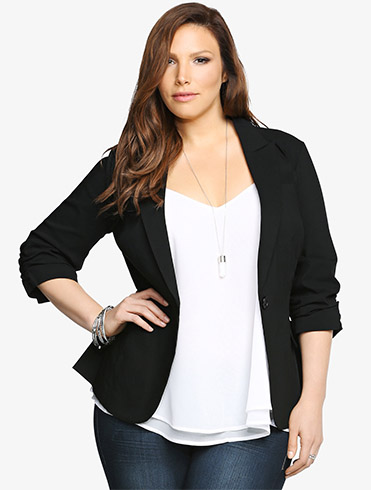 clothes that flatter a plus size figure