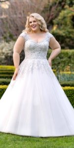 17. Informal plus size wedding dresses