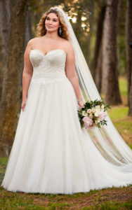 18. Plus size vintage wedding dresses