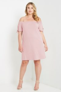 34. Cute Plus size summer outifts