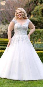 17. Informal plus size wedding dresses