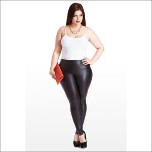 2. Plus size leggings for Christmas