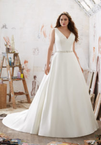 22. Plus size wedding dresses with sleeves