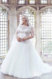 28. Beautiful wedding dresses for plus size women 2018