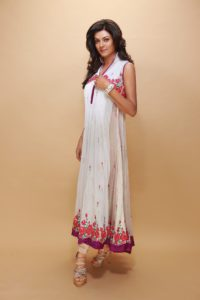 28. Cute medium size summer dresses
