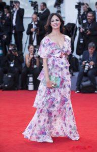 3. Prom dresses for pregnant women