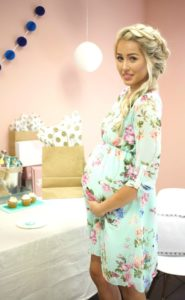 3. Stylish Maternity dresses for baby shower