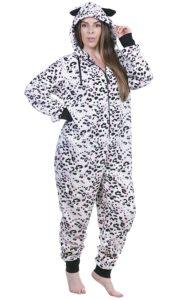 3. Women's plus size Christmas pajamas