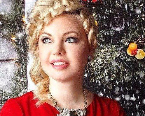55 Cool Christmas Hairstyles 2021 Plus Size Women Fashion