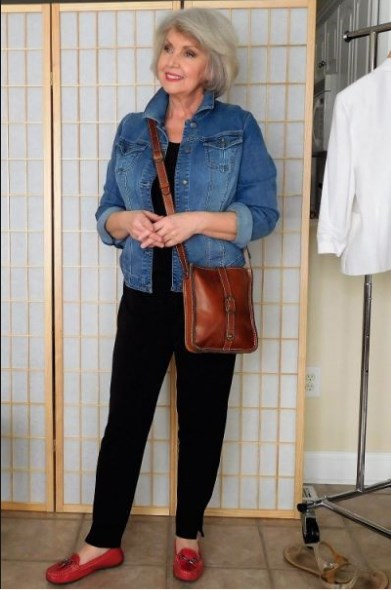 Casual Outfits For 50 Year Old Woman 2019