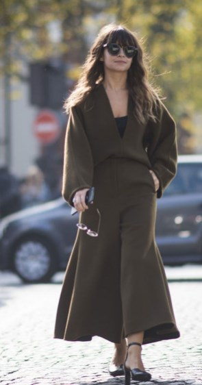 How To Look Thinner In Winter Clothes