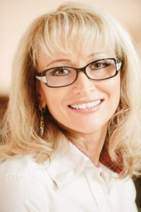 Medium Length Hairstyles For Over 50 With Glasses