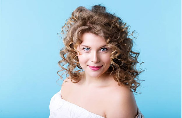 Curly Hairstyles For Over 40 And Overweight