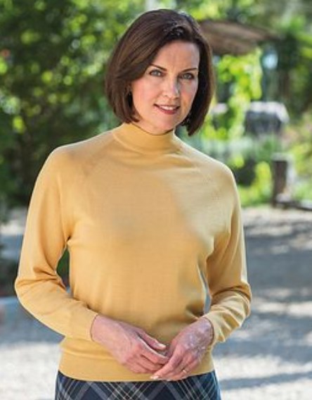 How Should A 57 Year Old Woman Look